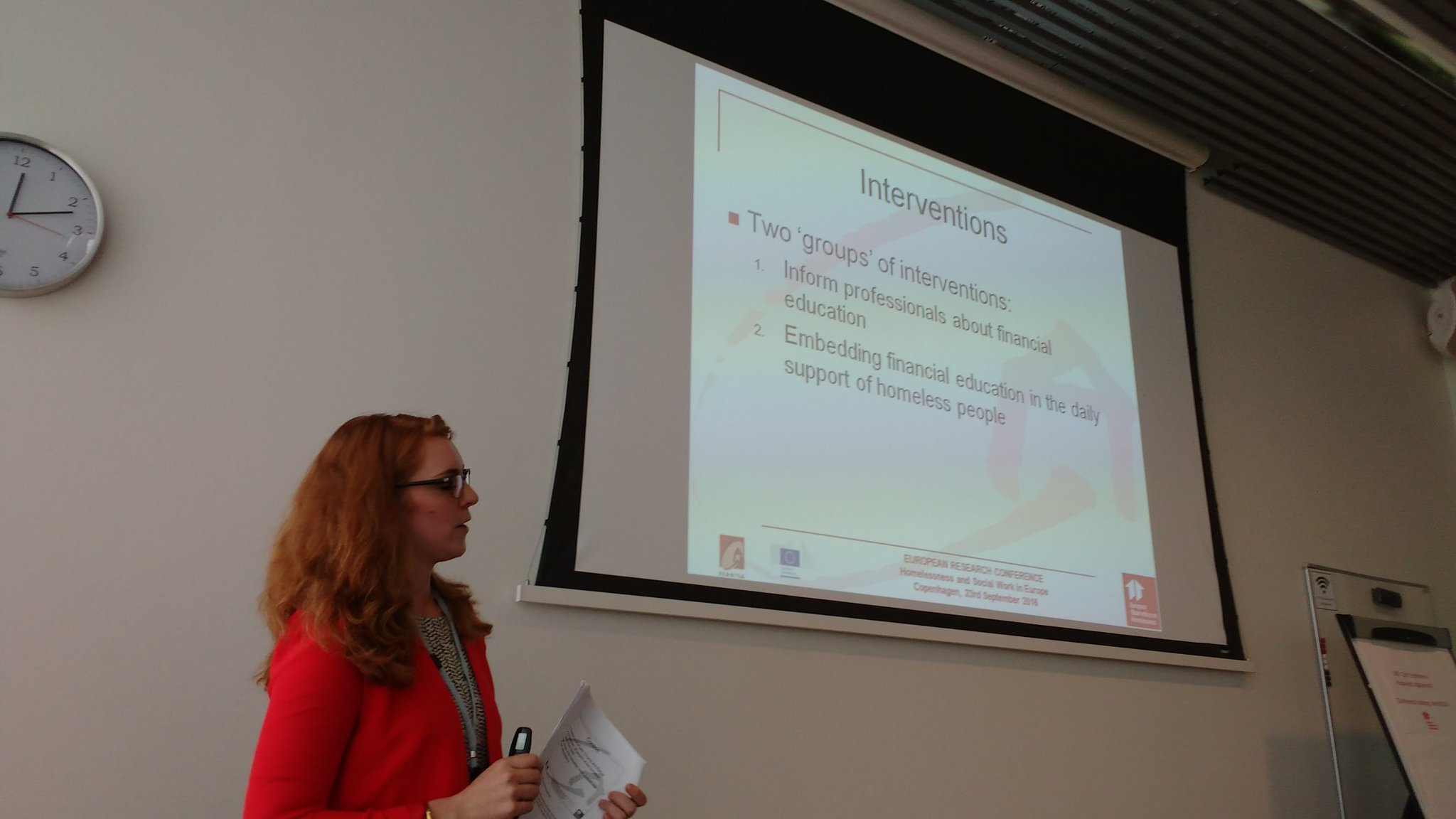 @rosinevandam presents research on financial education for people who are homeless #eoh2016 https://t.co/UYYzFjFO2D