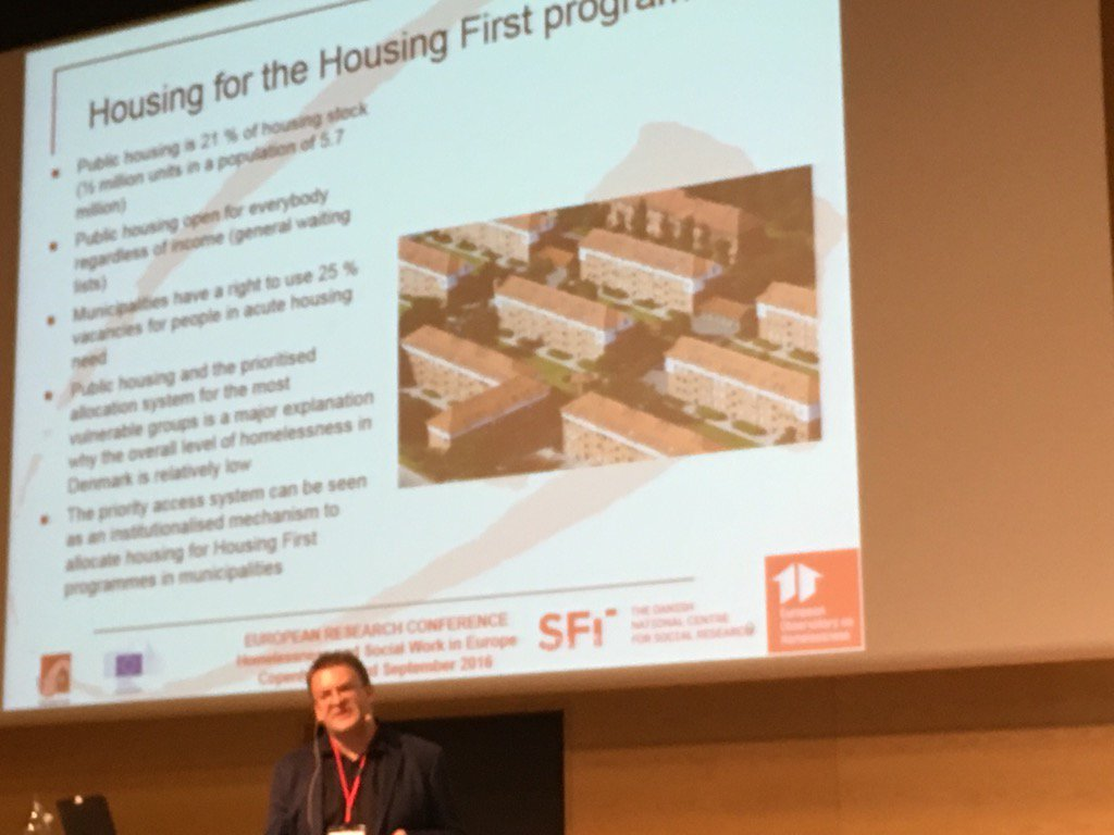 Lars Bejaminsen 'low homelessness in DK due to availability of social housing & ring-fenced allocation' #eoh2016 https://t.co/3ypapHJV8V