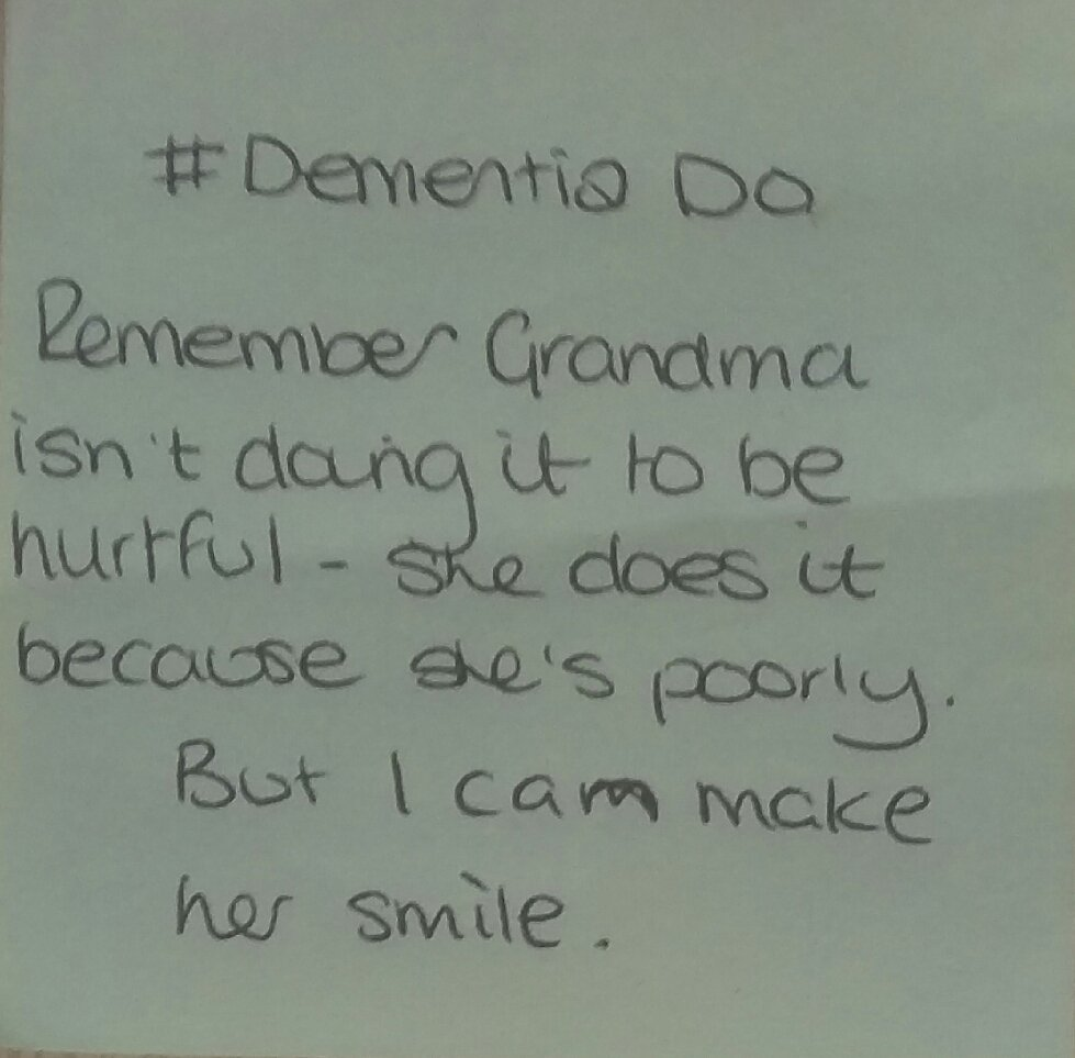 Today's #dementiado post-it   Remember Grandma does it because she's poorly. But I can make her smile.  😊  #FabChangeDay https://t.co/zPK9ZhcNMi