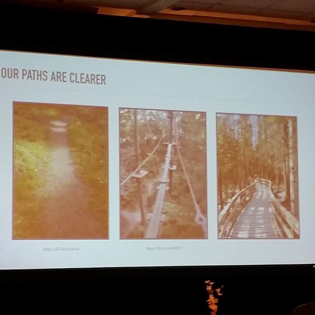 A visual analogy for change in web design over time, from @webmeadow at #nagw2016. https://t.co/VtVBRtiYmk