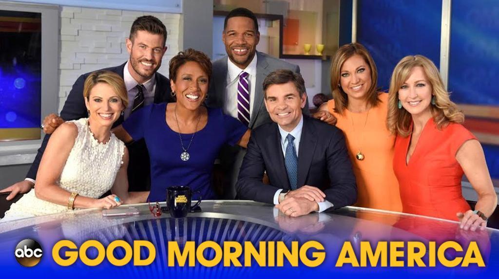 On @GMA, President @BarackObama & First Lady @MichelleObama + @BlairUnderwood & @priyankachopra! #LiveonKTVO @ 7am! https://t.co/zdVdziZYRv