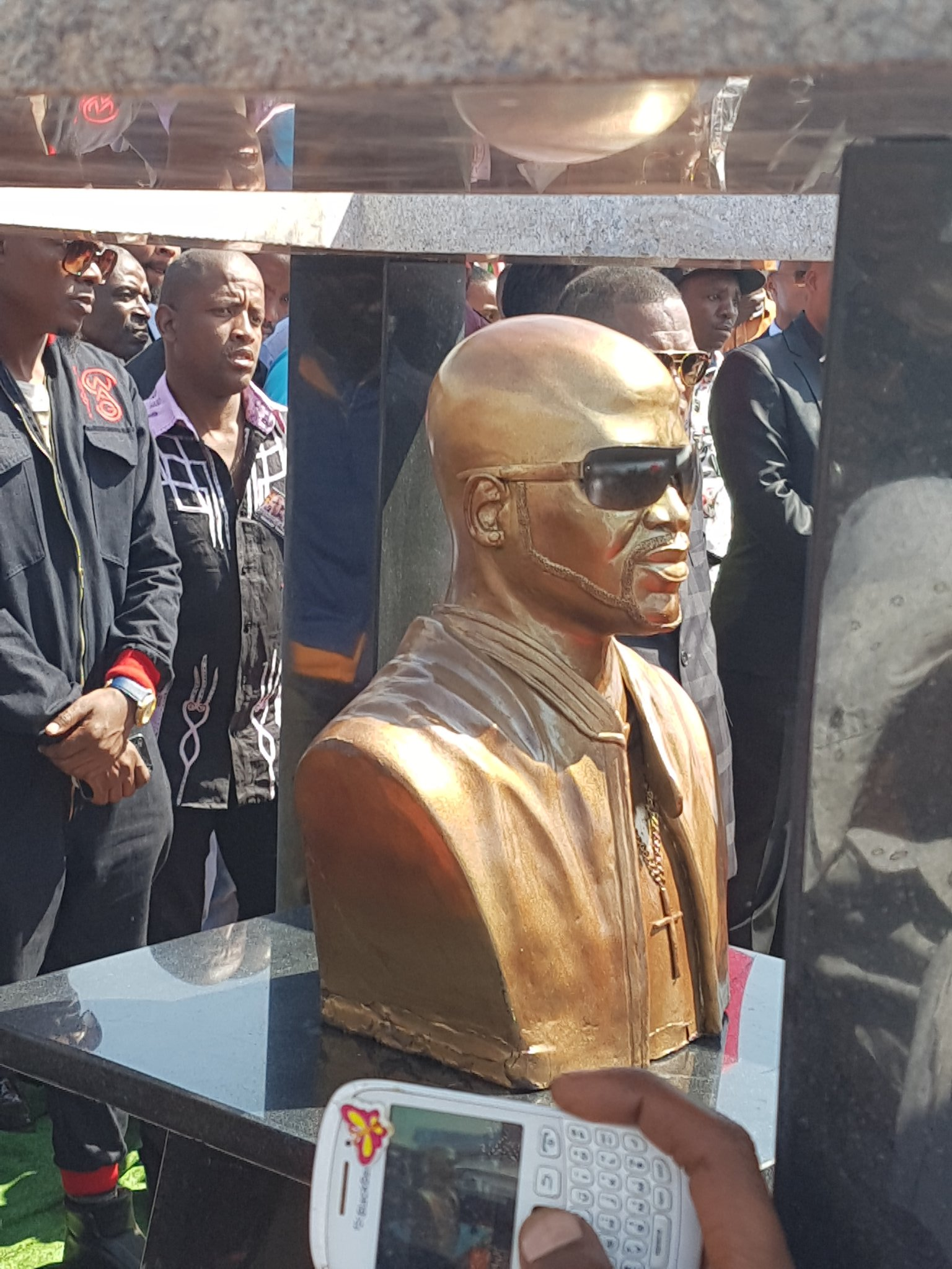 Sefiso Hlongwane on Tw...