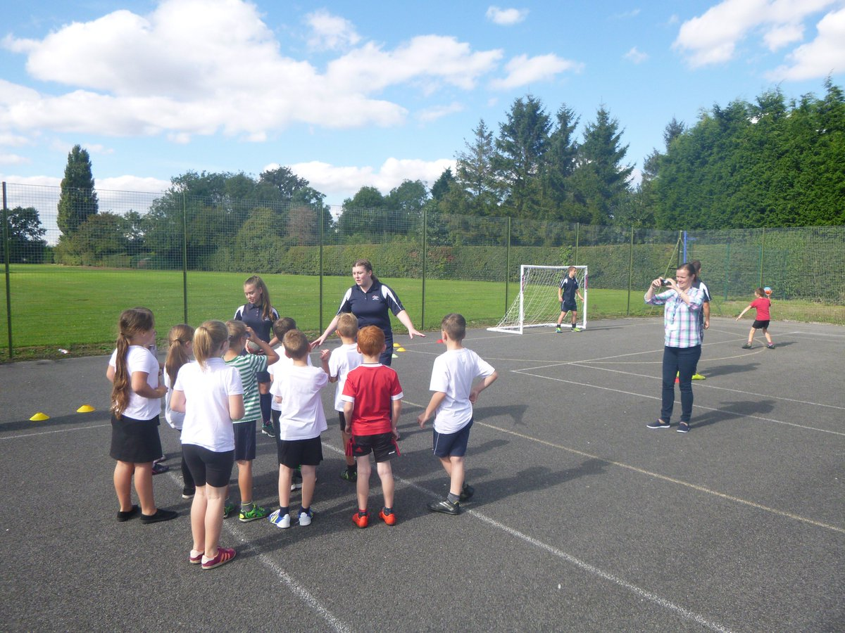 Here's some pictures of the great work carried out by the Sports Leaders yesterday.