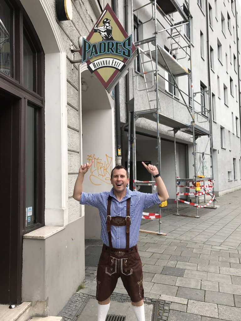 There's a bar called Padres in Munich!   Also don't laugh at my lederhosen https://t.co/0sAs8ivIL6