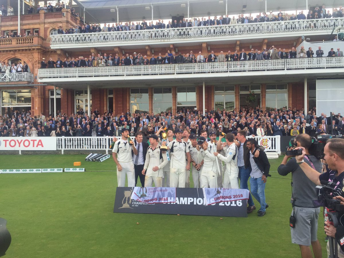 So happy for these guys... Champions 2016! @BBCLondonSport @Middlesex_CCC #bbccricket https://t.co/mSgzbIZYGc
