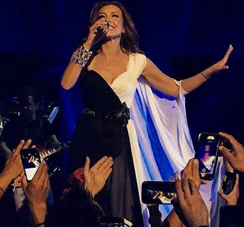 La Reina Suprema del Pop Latino @thalia, con todo el éxito termina el primer concierto de #LatinaLoveTour en NJ. https://t.co/Ac0VzY9M6R