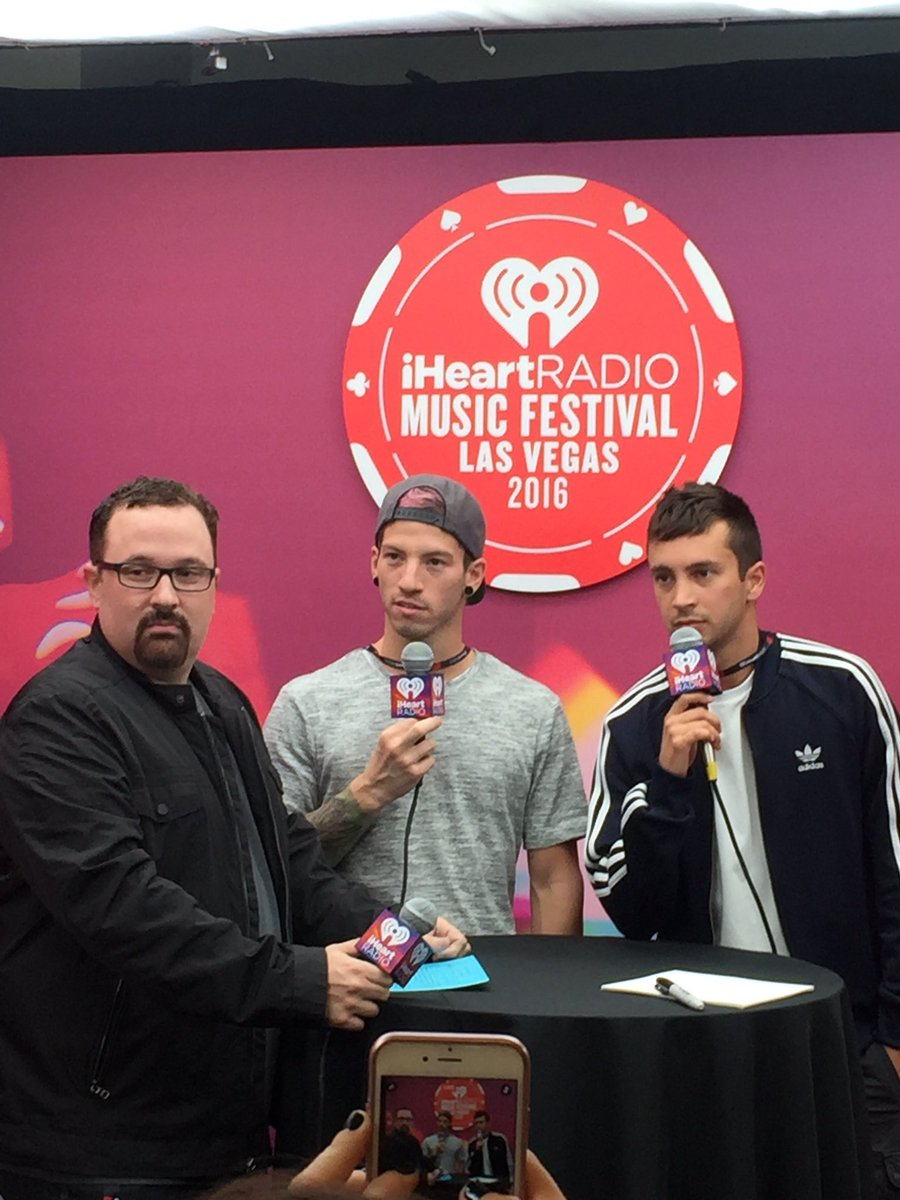 The best.  @twentyonepilots backstage #iHeartFestival https://t.co/am80OGKzKh
