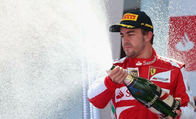 スペインの人たち全員にこの勝利を捧げることができて嬉しい。この国が危機に瀕していることを考えるとなおさらだ。 -フェルナンド・アロンソ-  #F1 #F1JP