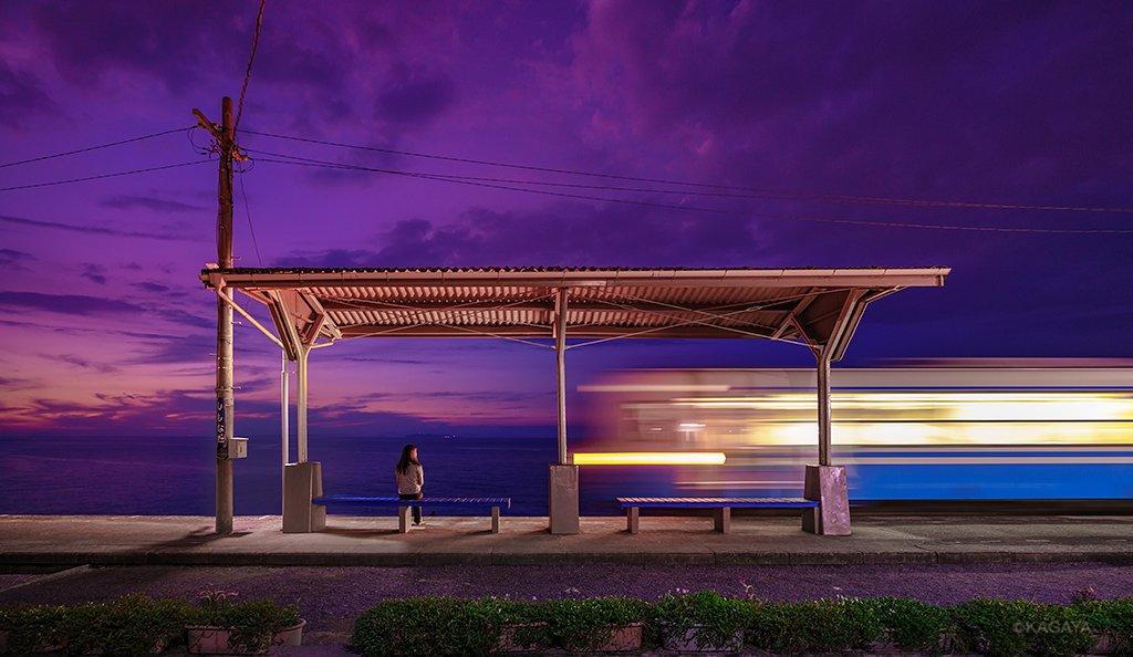 黄昏時の夢列車。飛び乗れば夢の続きが見られそう。(昨日、愛媛県伊予市にて撮影)今日もお疲れさまでした。明日もおだやかな1日になりますように。 pic.twitter.com/nPjKjOuO18