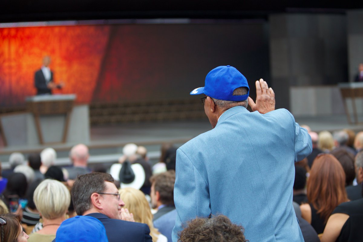 A Tuskegee Airman waving to the President during his remarks. #APeoplesJourney #MakingHistory https://t.co/egTb6YSfYa