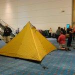 アメリカの地質学会の会場で撮られた写真がヤバ過ぎる...これはキチガイだわ!