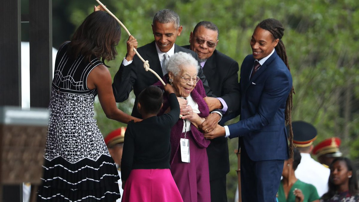 Obama says new African-American museum in Washington helps tell story of America