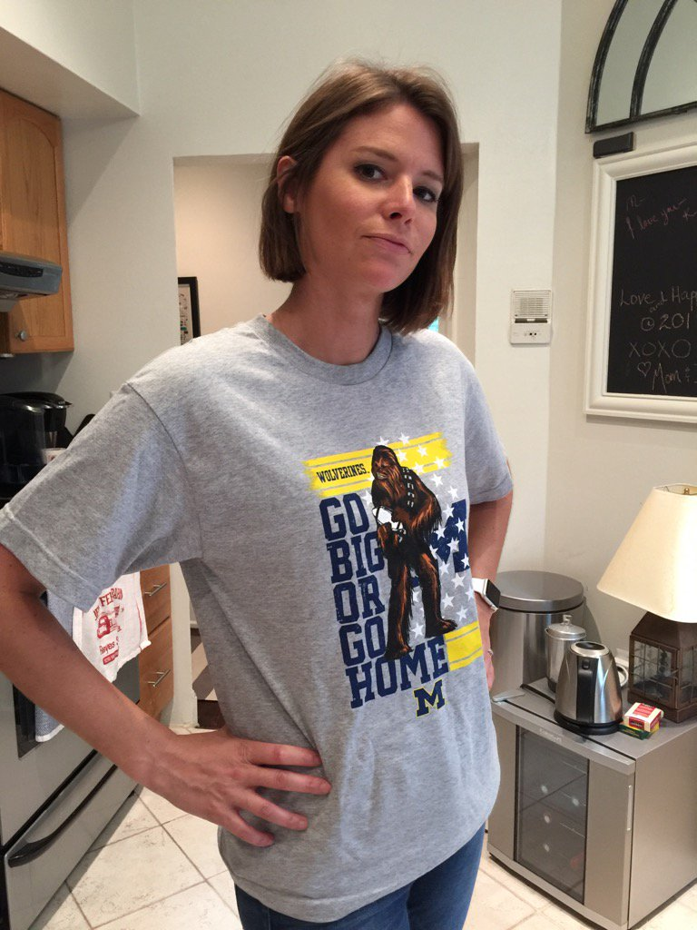 Kasie Hunt Wedding.Msnbc Reporter Kasie Hunt Bio Wedding Eye Injury Husband Matt