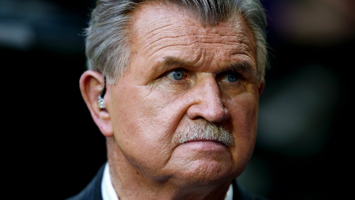 Former Bears coach Mike Ditka weighs in on Colin Kaepernick's protest
