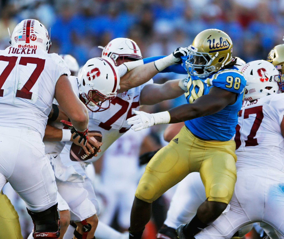 Stanford recovers fumble on last play to beat UCLA, 22-13