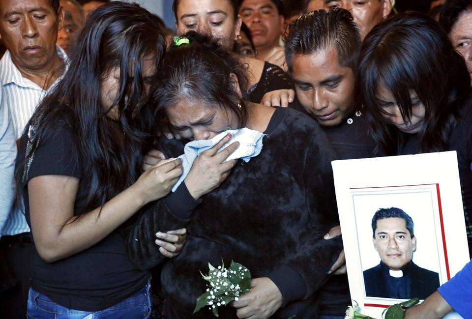 Priests' murders rattle Mexican city gripped by violence