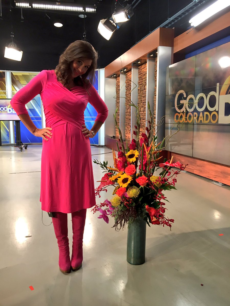 Enjoying my beautiful goodbye bouquet from @KDVR - almost as tall as me!