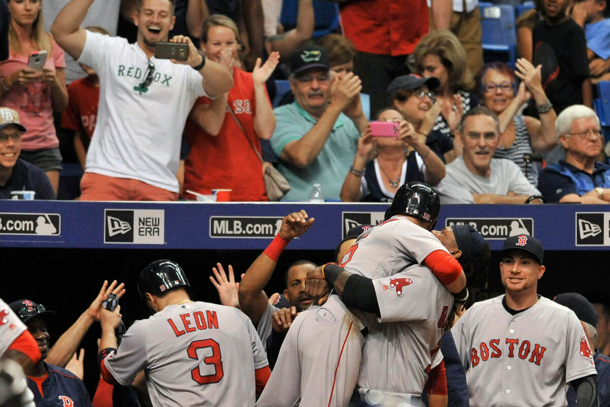 Dustin Pedroia's grand slam leads Red Sox to 10th straight win
