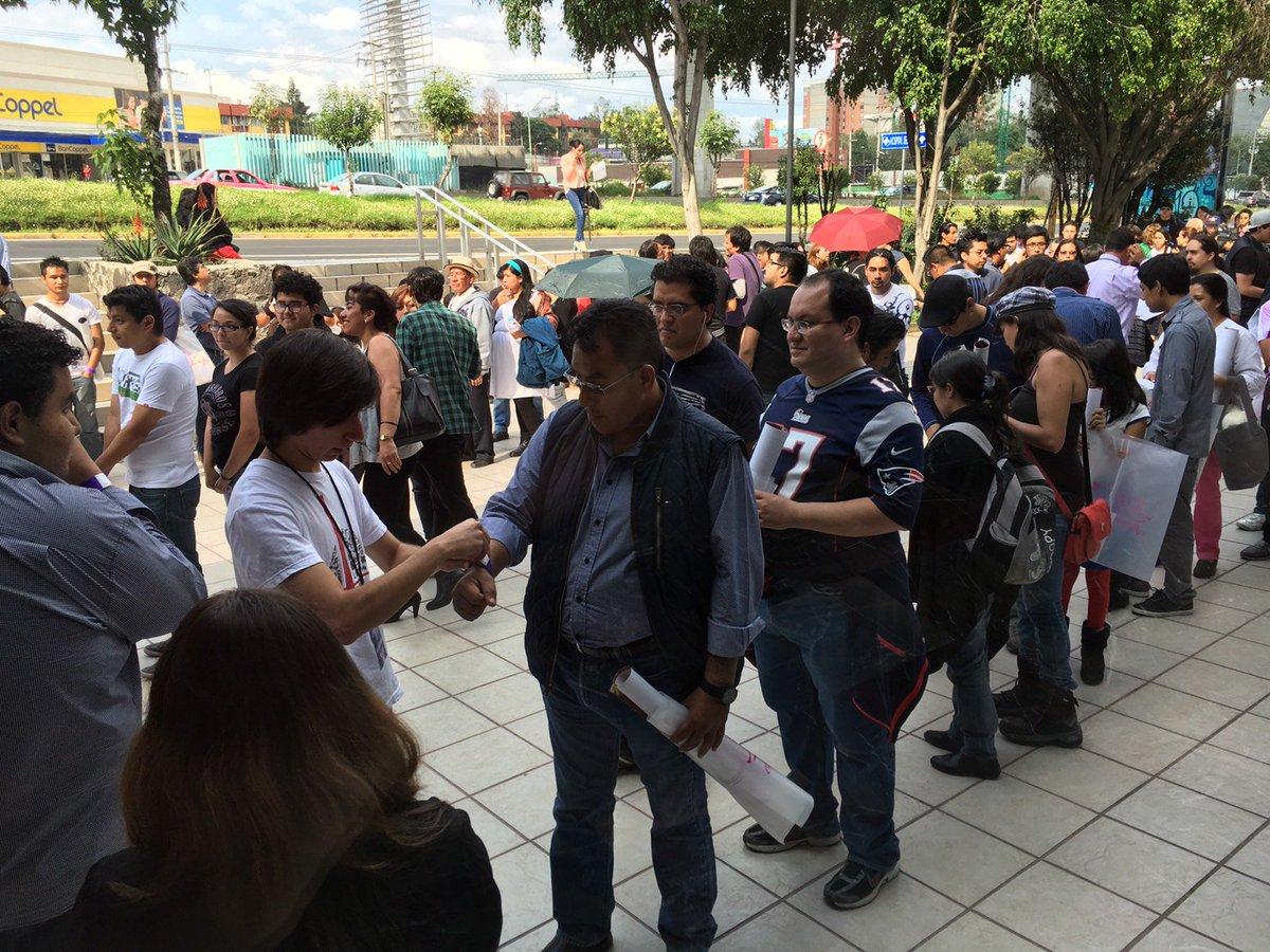 メキシコシティでの「エルフェンリート」コンサートイベントのスチルをジェンコさんからお借りしました。メキシコでこういうタイプのイベントは珍しいらしく、有料にもかかわらず入場者数は550人もあったそうです。 https://t.co/FiZjAhZUw0