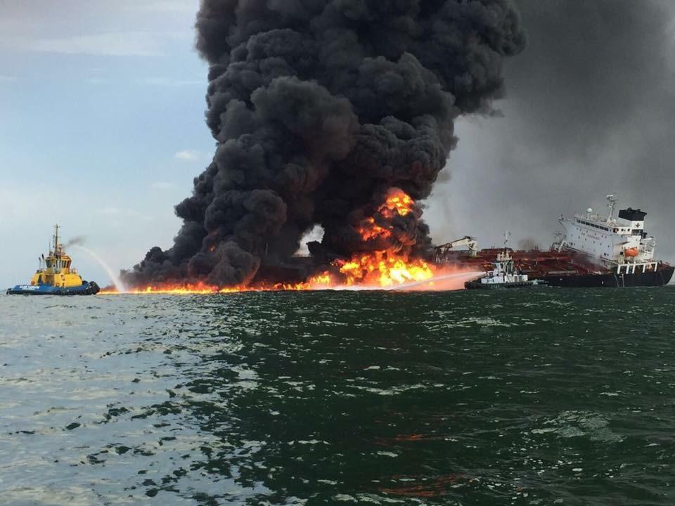 Один из танкеров, атакованных в Оманском заливе, затонул (+)