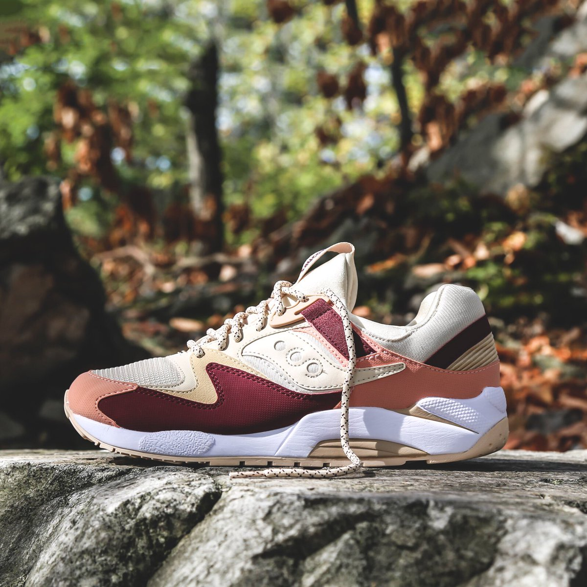 saucony grid 9000 cream red pink