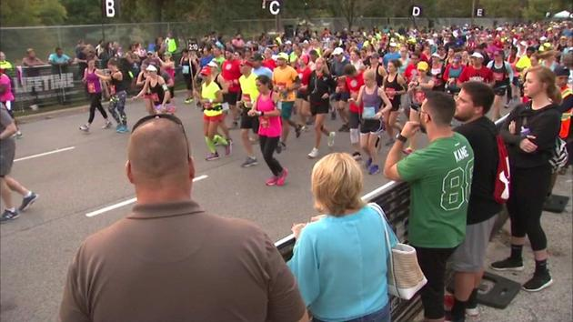 Thousands running in Chicago Half Marathon Sunday