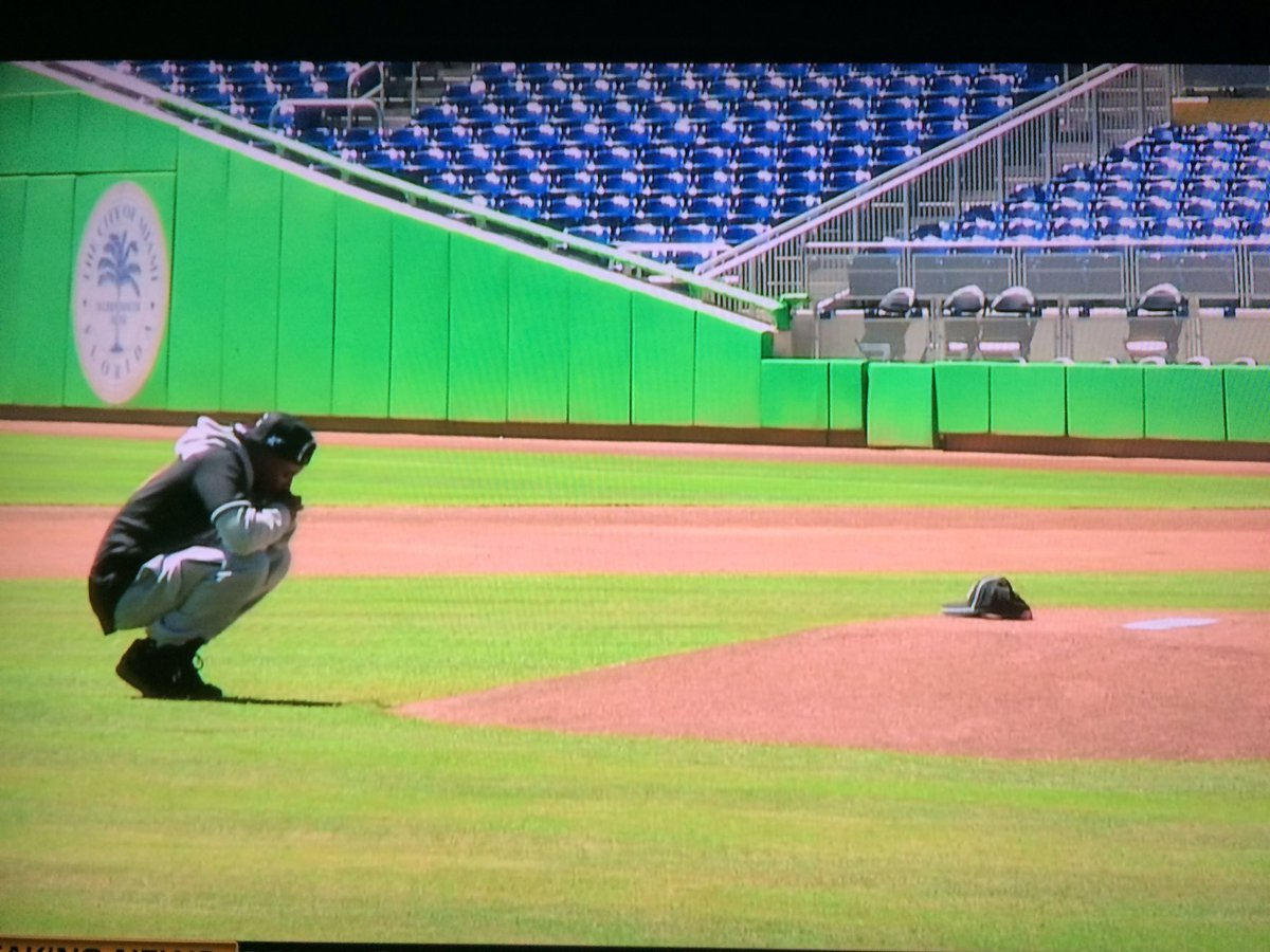 dee gordon hits it out in miami's first plate appearance of the