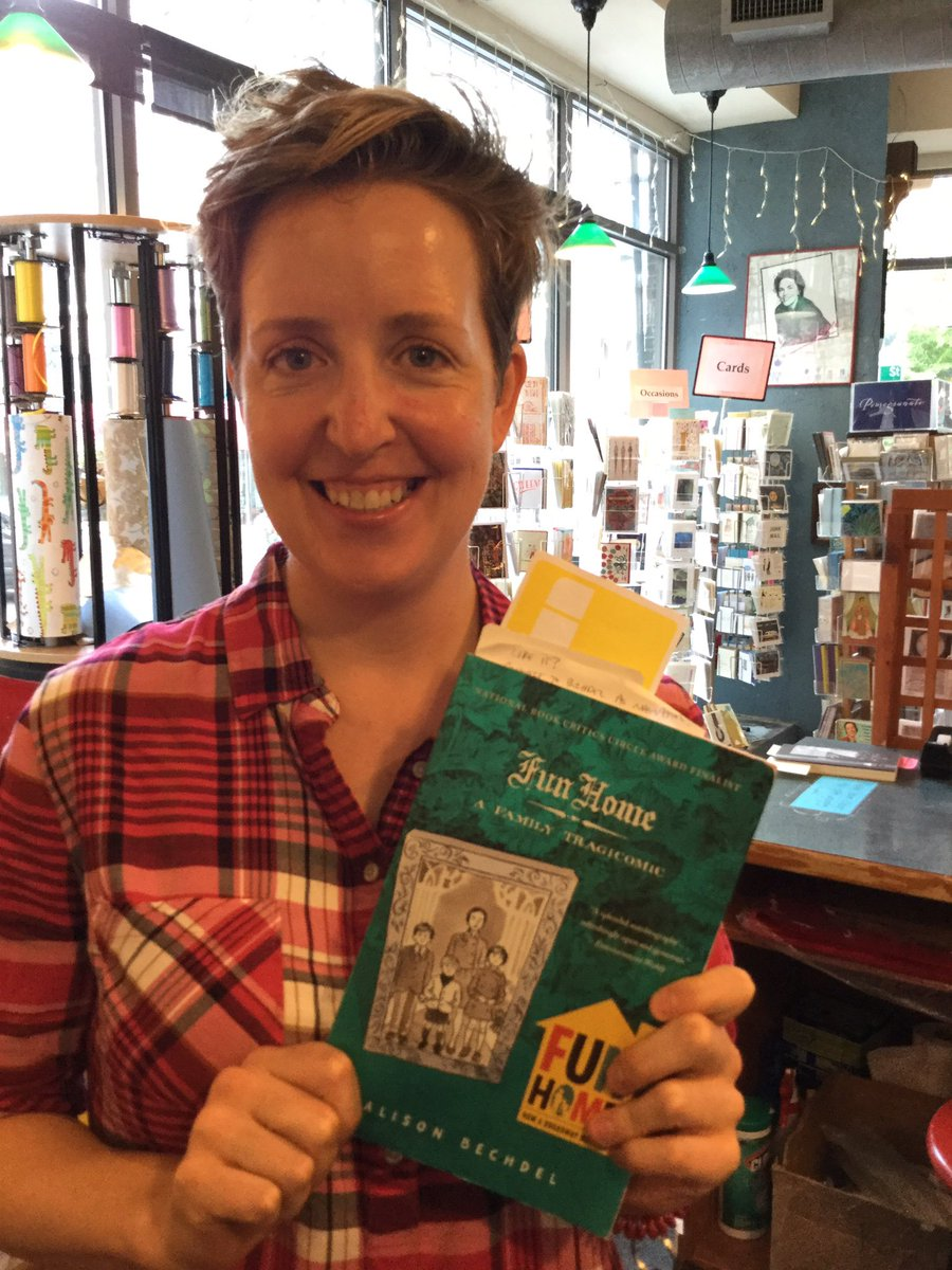 Bookseller Melanie is reading from FUN HOME by Alison Bechdel. #BannedBooksWeek https://t.co/zlxjBXPWCH