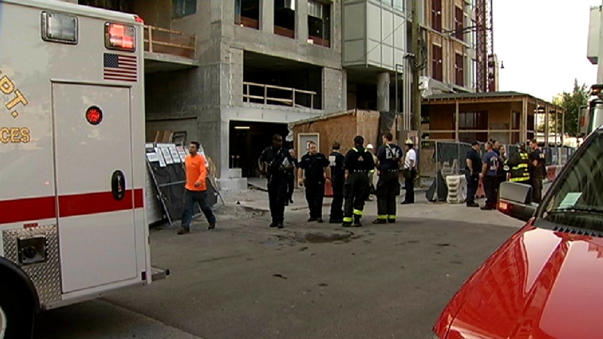 Worker loses arm in construction accident on Chicago's North Side