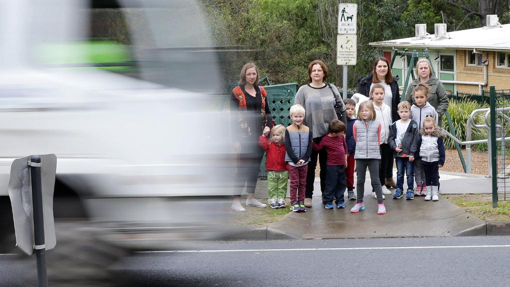 Community's fears raise the question - Why not 40km/h for #Kinder zones?? #children https://t.co/b9DsOudmTS https://t.co/Yoa0kLhmIC