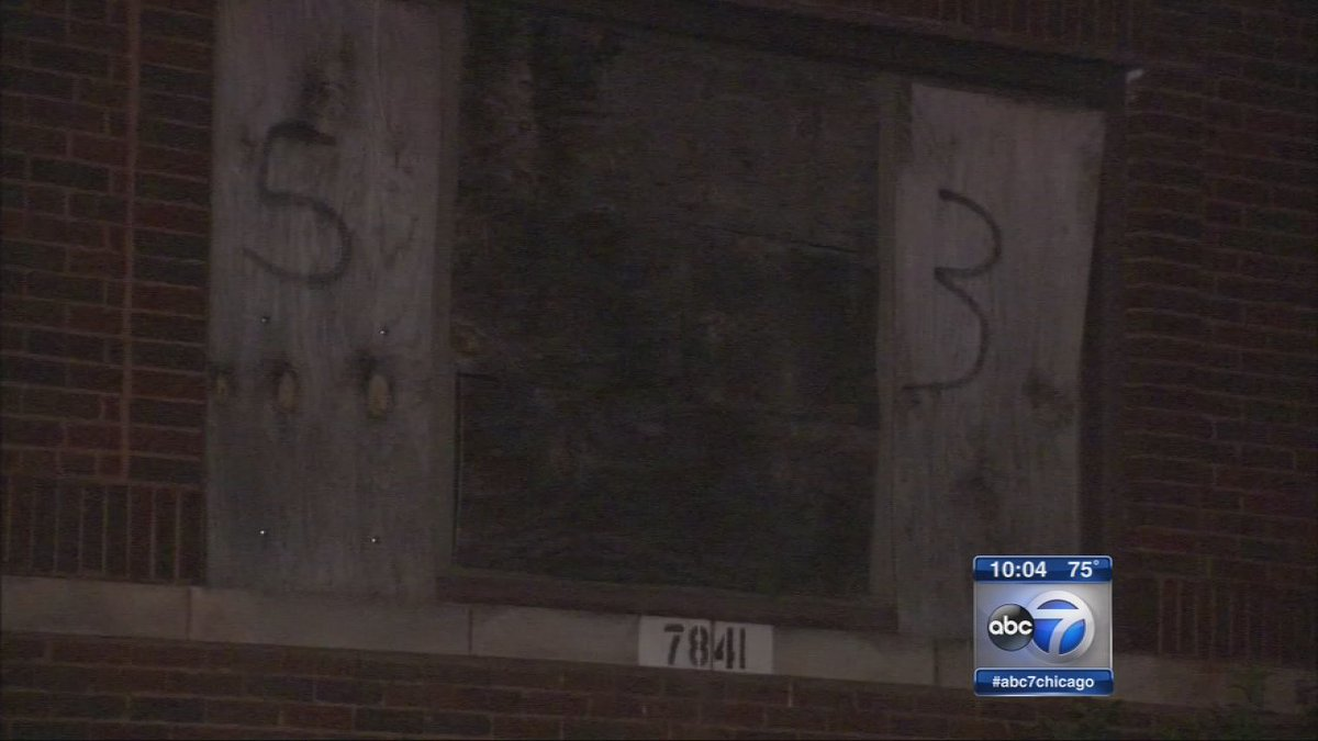 Girl, 13, sexually assaulted in abandoned building on Chicago's South Side