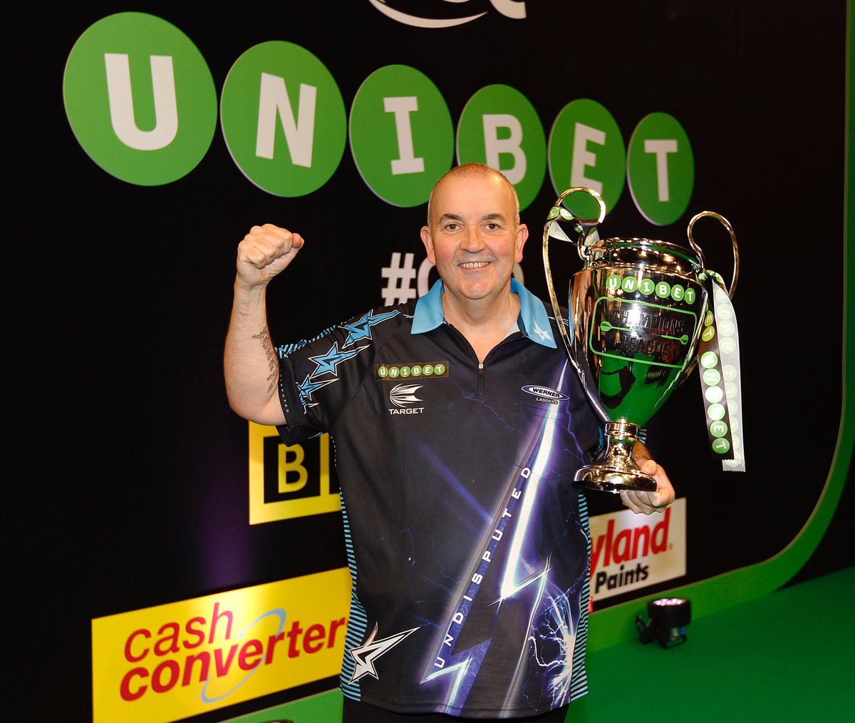 So happy to win the @unibet Champions League of Darts on the BBC. Thanks for all the support, it means so much! https://t.co/UFQatbCkSx