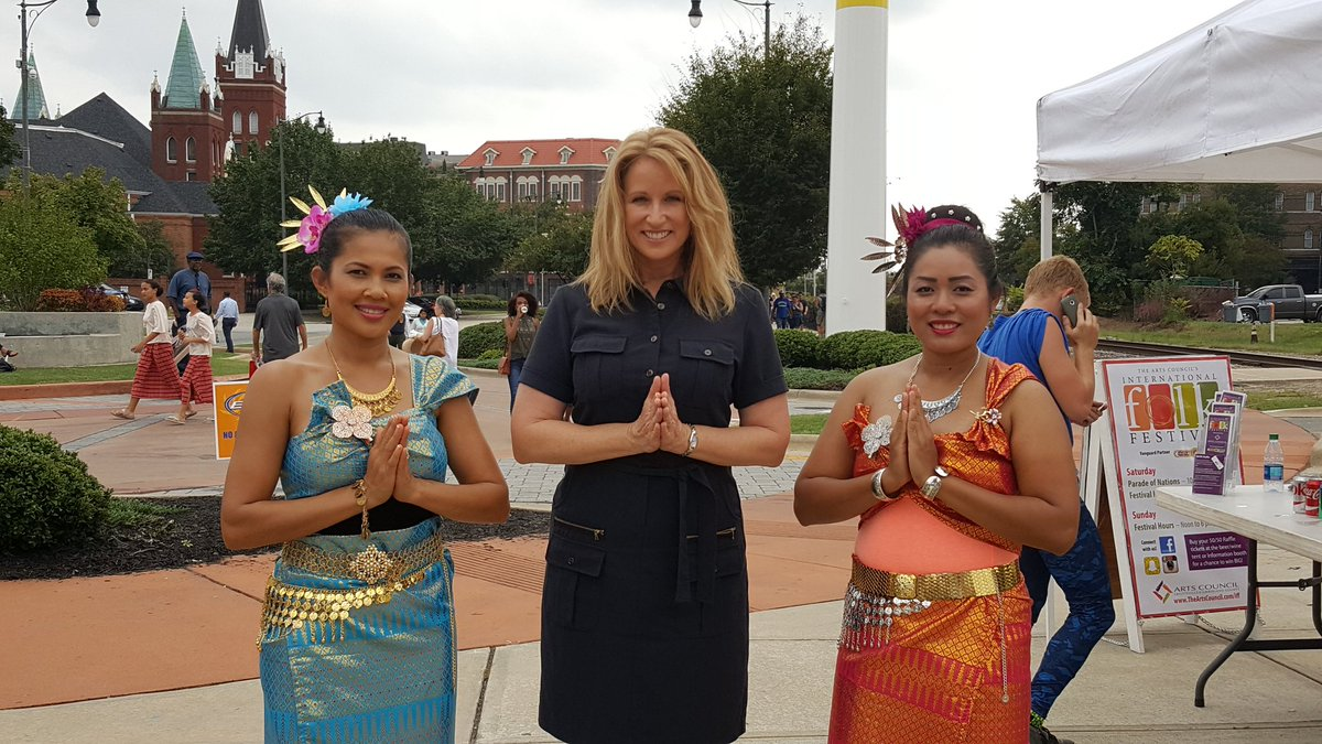 Debra morgan on twitter these beautiful ladies showed me how to debra morgan on twitter these beautiful ladies showed me how to do the traditional thai greeting today at the fayetteville international festival kristyandbryce Images