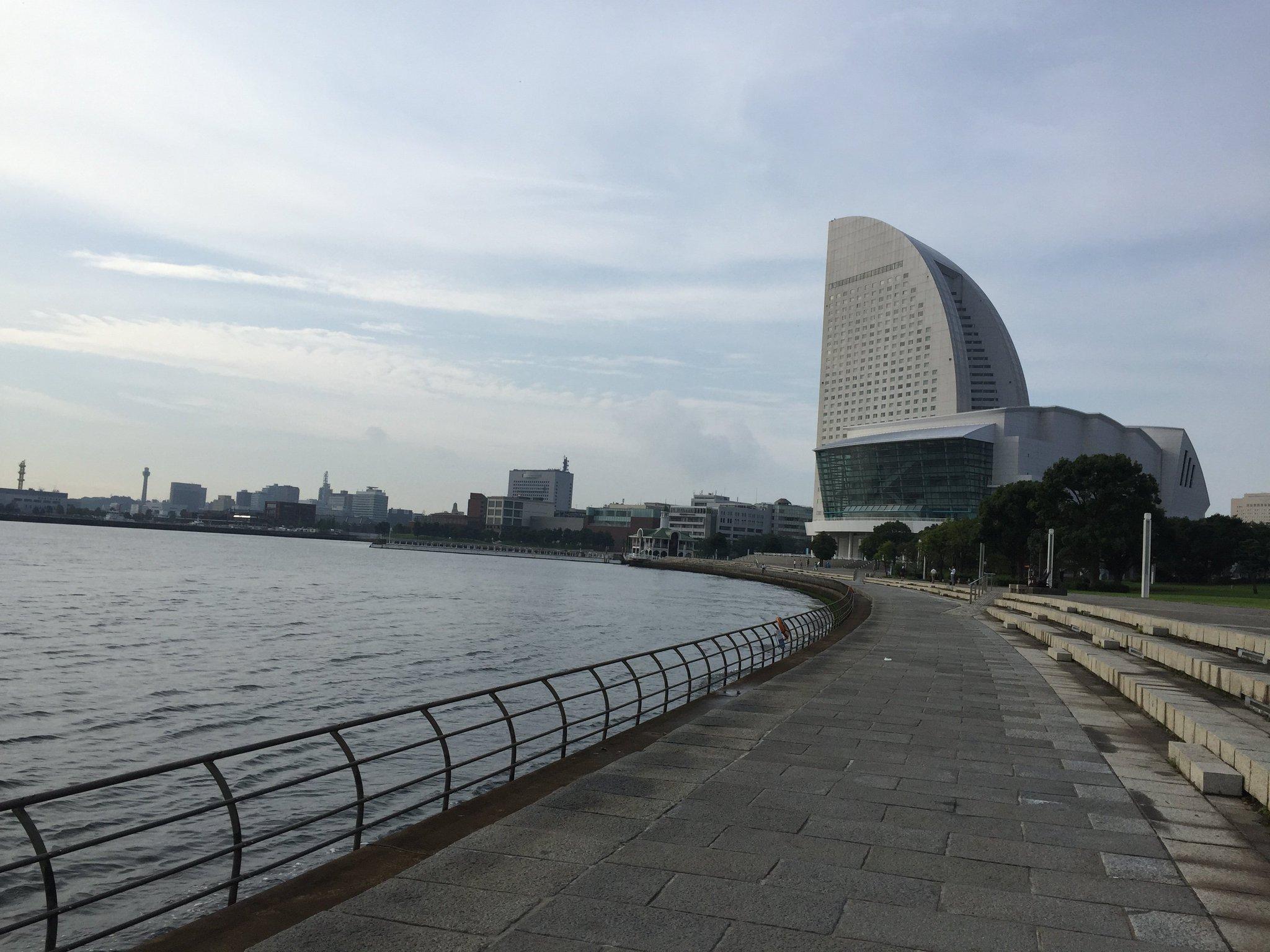 Good morning Yokohama! Great day for an morning run before #IASPCongress2016 kicks off. @CNBPscience https://t.co/JHn89GlCfD