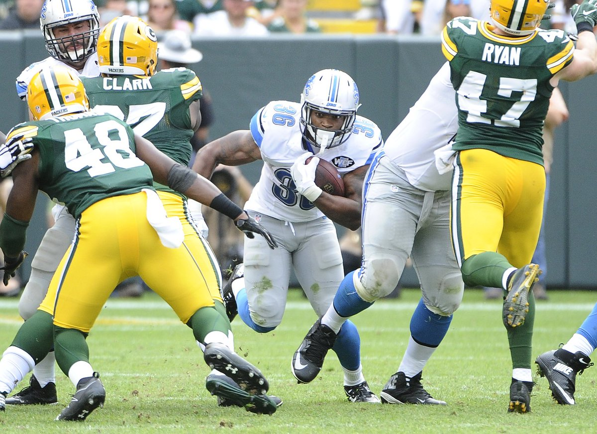Four downs: Dwayne Washington gives Lions' run game only life. From @Justin_Rogers