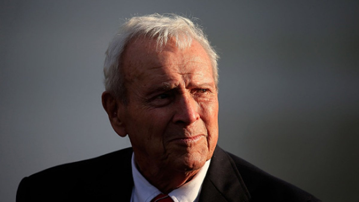Legendary golfer Arnold Palmer dies at 87