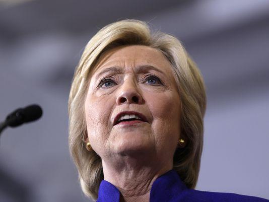 Snapshots: @HillaryClinton puts 'birther' flap to use
