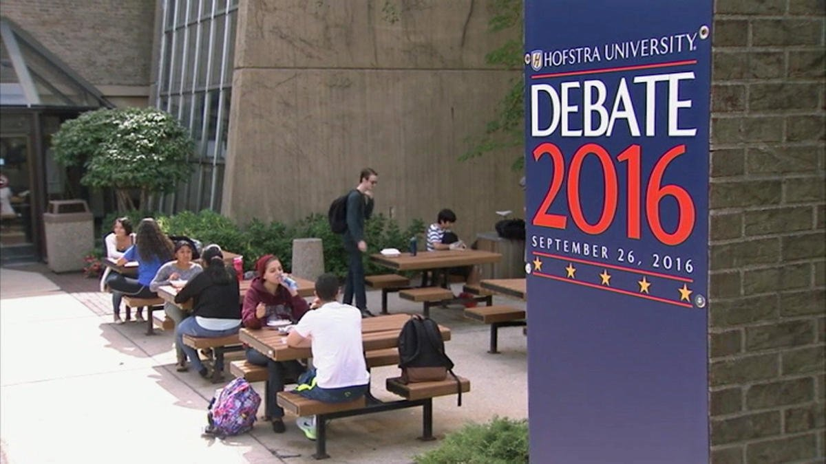 Hofstra pushes front-line learning with presidential debate
