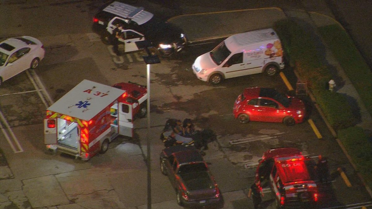 Initial reports: 7 injured, active shooter situation in West U area near Weslayan #khou11