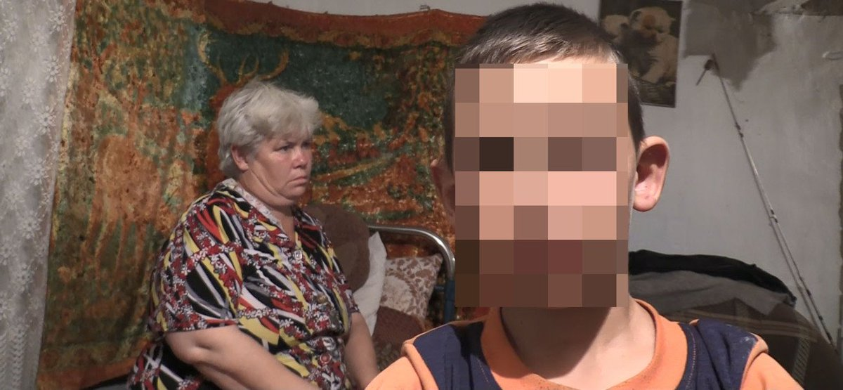 Порно сессии видео некрасивую тетку пустили по кругу трахнул шлюху лестнице