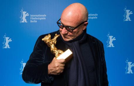 """""""Fuocoammare"""", il film di Gianfranco Rosi su Lampedusa, è  ... - https://t.co/jRdAfwDPxH #blogsicilianotizie"""