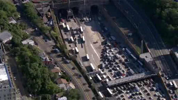 15 minor injuries after Lincoln Tunnel accident involving 2 NJ Transit buses