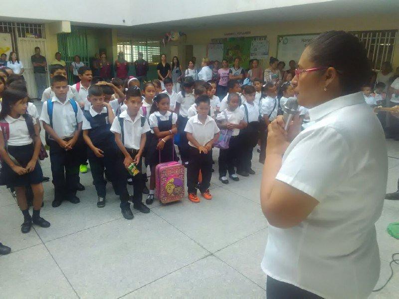Acompañamiento de políticas educativas signa inicio de año escolar en región andina