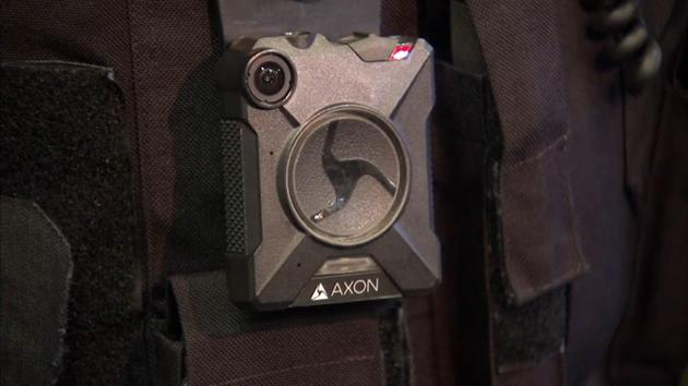 Chicago police rolling out body cameras in 7 additional districts