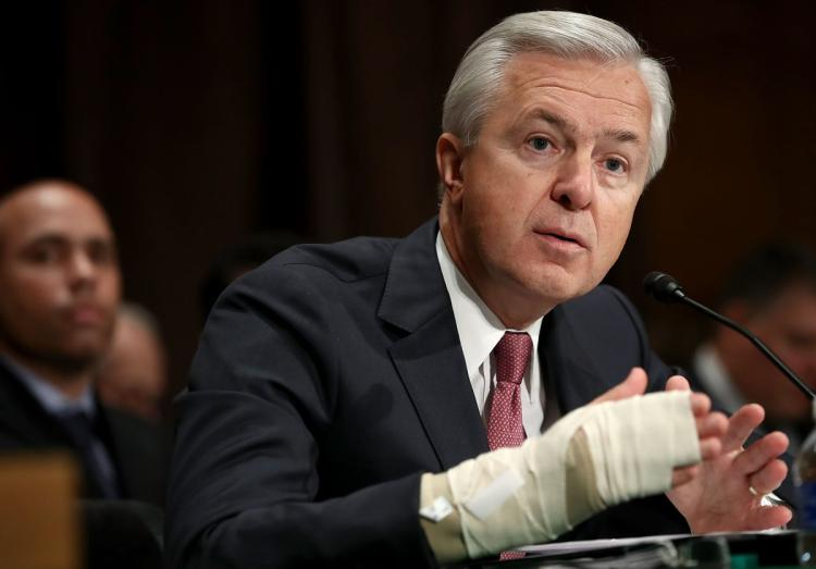 Wells Fargo CEO John Stumpf could get up to $200M for walking away from the job