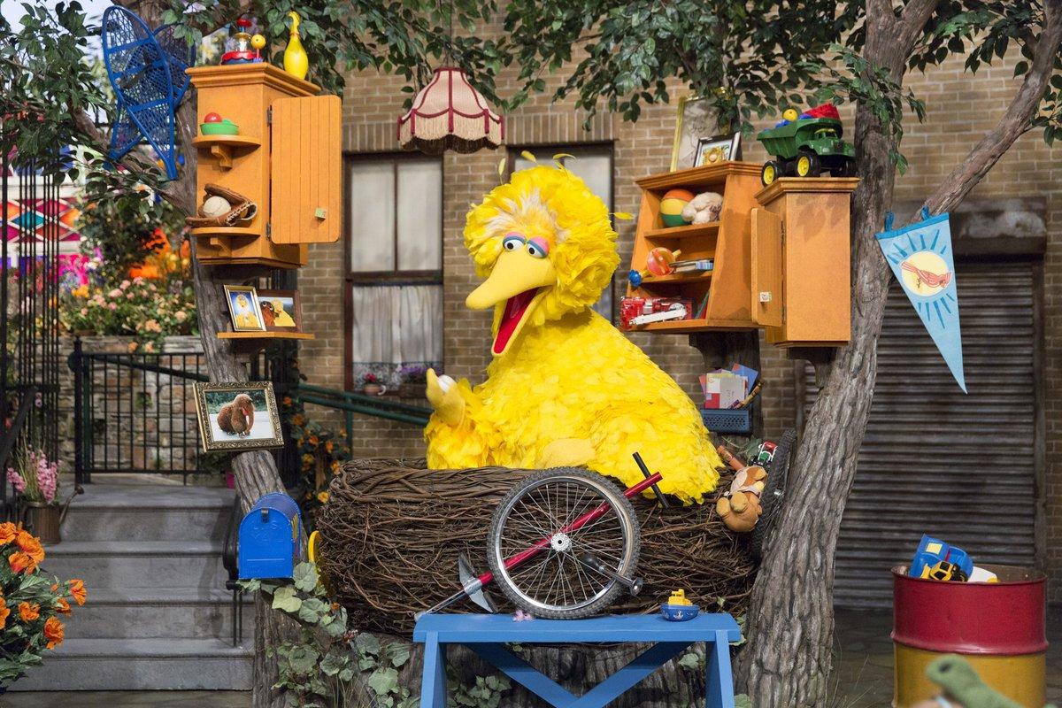Sesame Street a Twitter: