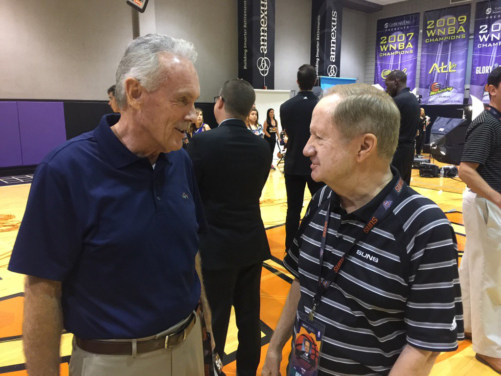@CraigFouhy chatting with the legendary Al McCoy on Suns media day.