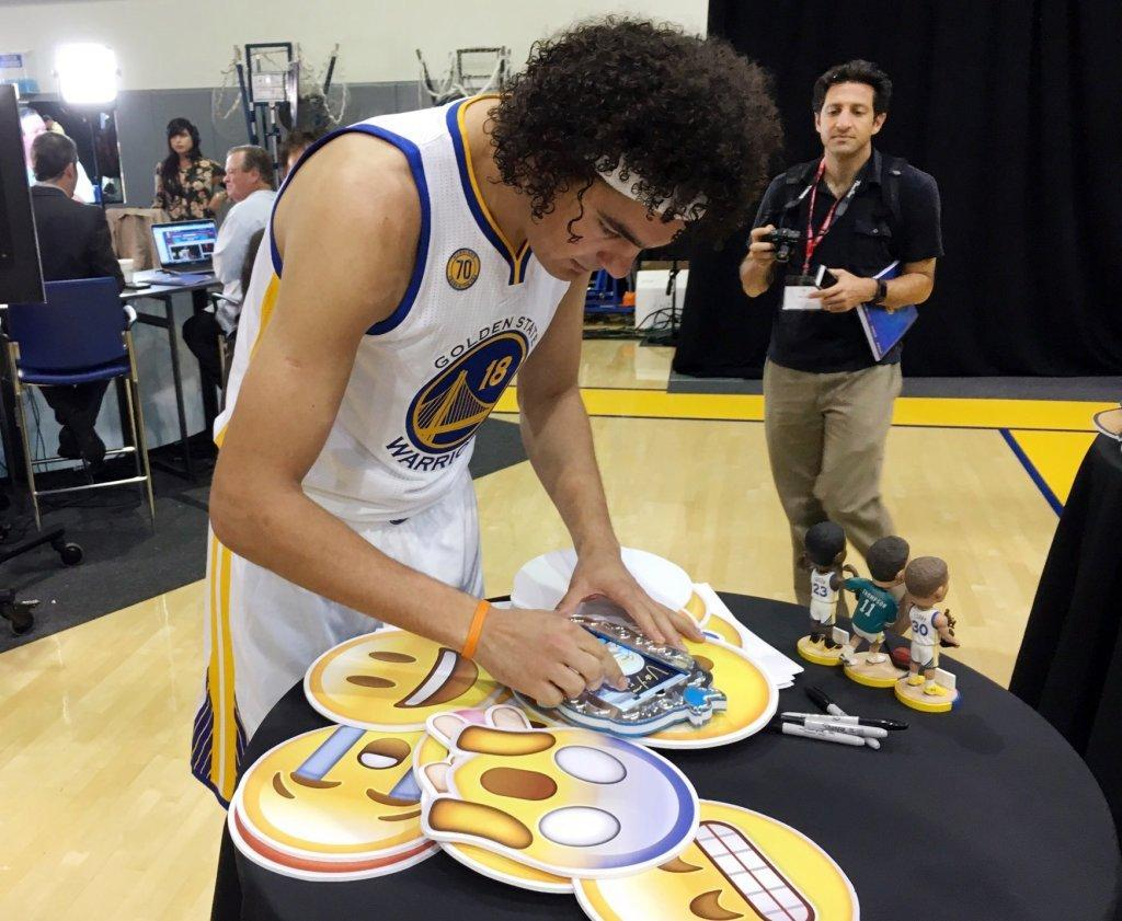 Anderson Varejao wants to win ring with Warriors