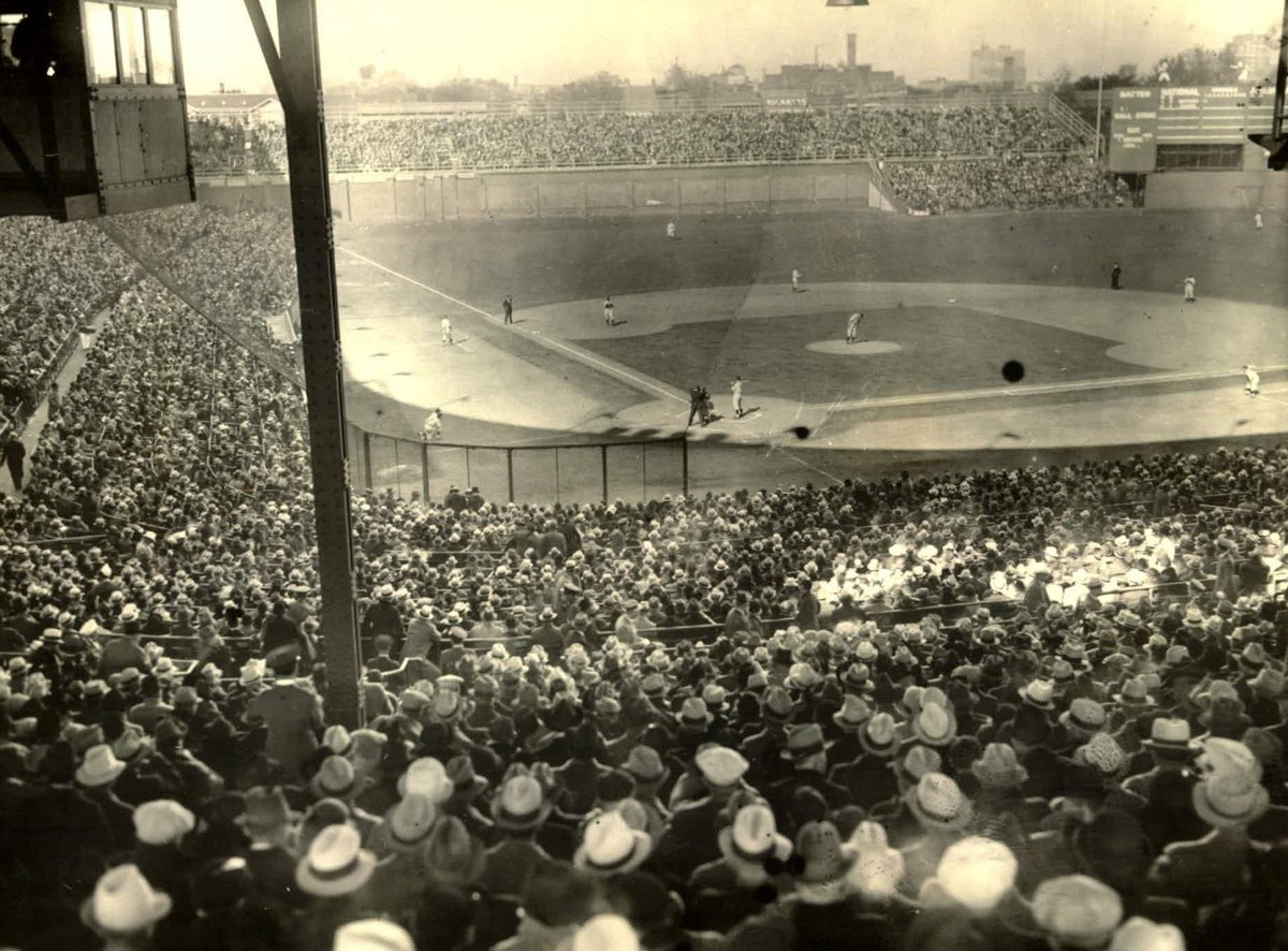 Wrigley Field… the last time the @Cubs won 100 games. https://t.co/JjIk9Kn6mE