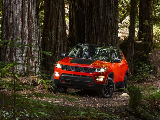 @FiatChrysler_NA unveils 2017 @Jeep Compass SUV. What do you think?